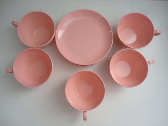 Melmac Coffee Cups and Plates in Pink In Excellent by KimBuilt, $12.50