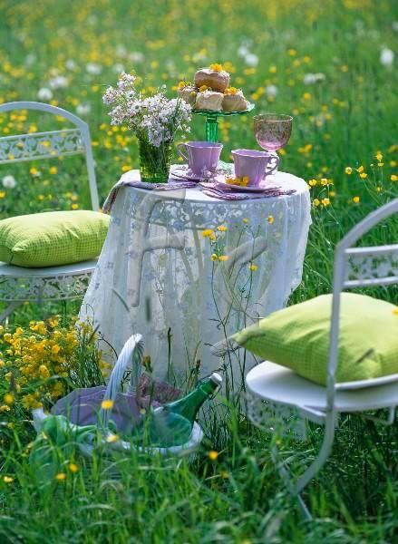 Café da manhã com flores...