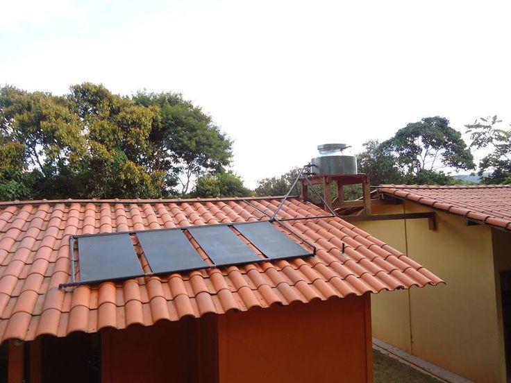 A tecnologia é construída com materiais de baixo custo, como canos de PVC e caixas d'água, e gera uma economia em torno de 40% do valor da conta de luz.