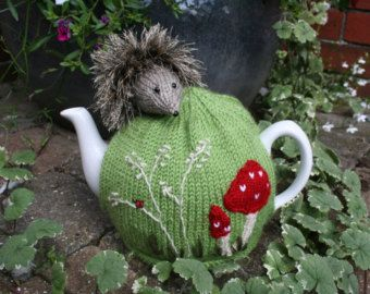 Knitting Pattern For Yoda Tea Cosy : Best 25+ Tea cosy knitting pattern ideas on Pinterest ...