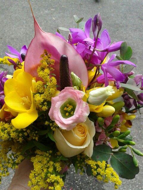 Bouquet Fresie Lisianthus Anthurium E Orchidea Bletilla By Marina Michetti