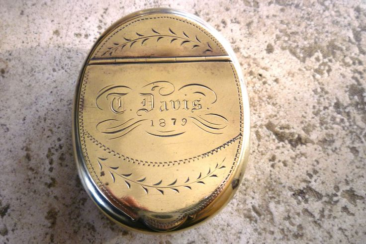 ANTIQUE NAMED & DATED 1879 BRASS WELSH MINERS SNUFF TOBACCO BOX TIN T.DAVIS VGC