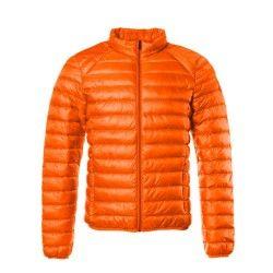 MATT - Fine et légère, la doudoune Homme Mat vous protègera du froid et du vent grâce à son duvet . Elle vous préserveraaussi de l'humidité grâce à son revêtement déperlant. La veste est à manches longues, comporte 2 poches zippées invisibles et une fermeture avant par zip. Disponible en 10 coloris tendances, pour être toujours au top !