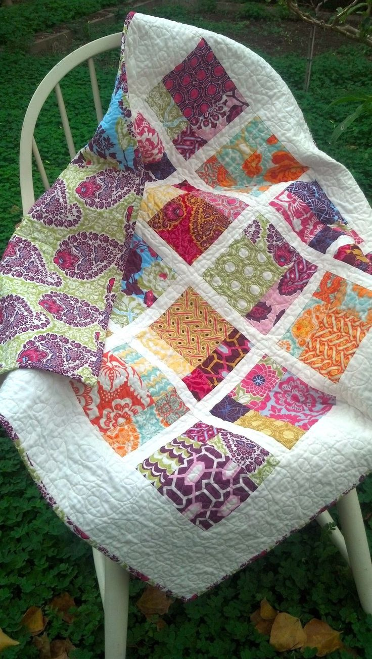 so suki: disappearing nine patch baby quilt