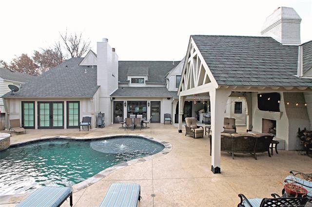 2235 E 26th St Tulsa Ok 74114 Realtor Com Backyard Pool House Styles Renting A House