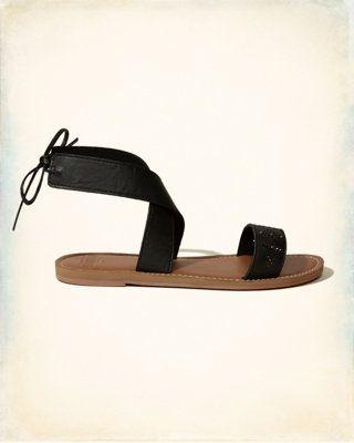 Sandales cloutées à brides croisées