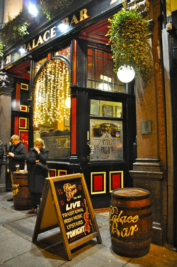 Visit a pub in Dublin, Ireland and have a pint of Guiness and dance to Irish folk music! #cabinmax http://cabinmax.com/en/leisure/47-daypack-0661799248709.html