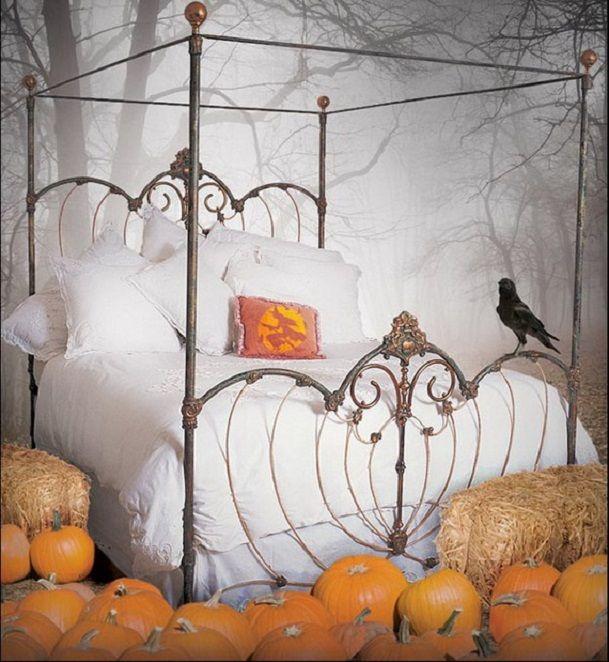 Halloween Bedroom Decor Design Ideas