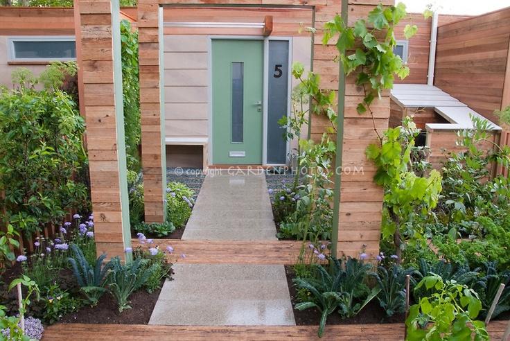 Front Yard Urban Vegetable Garden House Townhouse