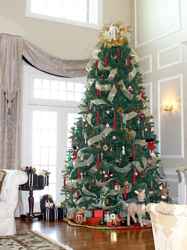 409 best Lets Trim the tree! images on Pinterest | Merry christmas ...