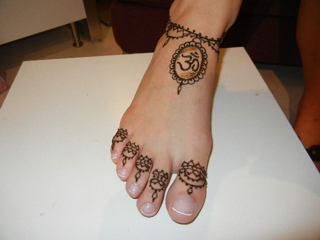 Henna Tattoo Designs On Foot: Henna Tattoo Simple And Cute