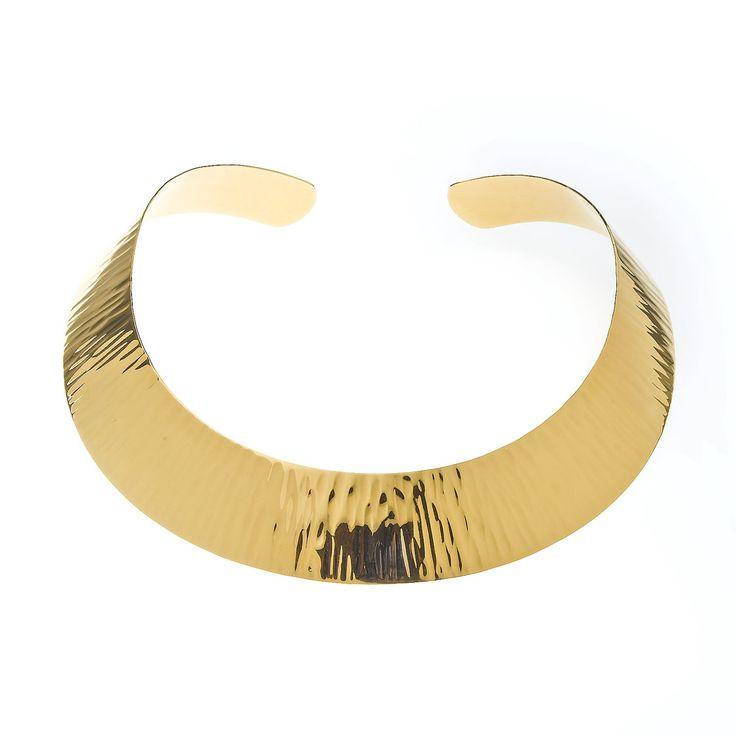 Gargantillas rígidas bañadas en oro amarillo, rosa o rodio con estampado en aguas y lisos. Ver más coleccion en www.salvatore.es