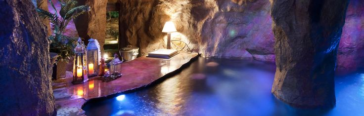 This is another photo of the fantasy pool grotto at twin for Swimming pool grotto design
