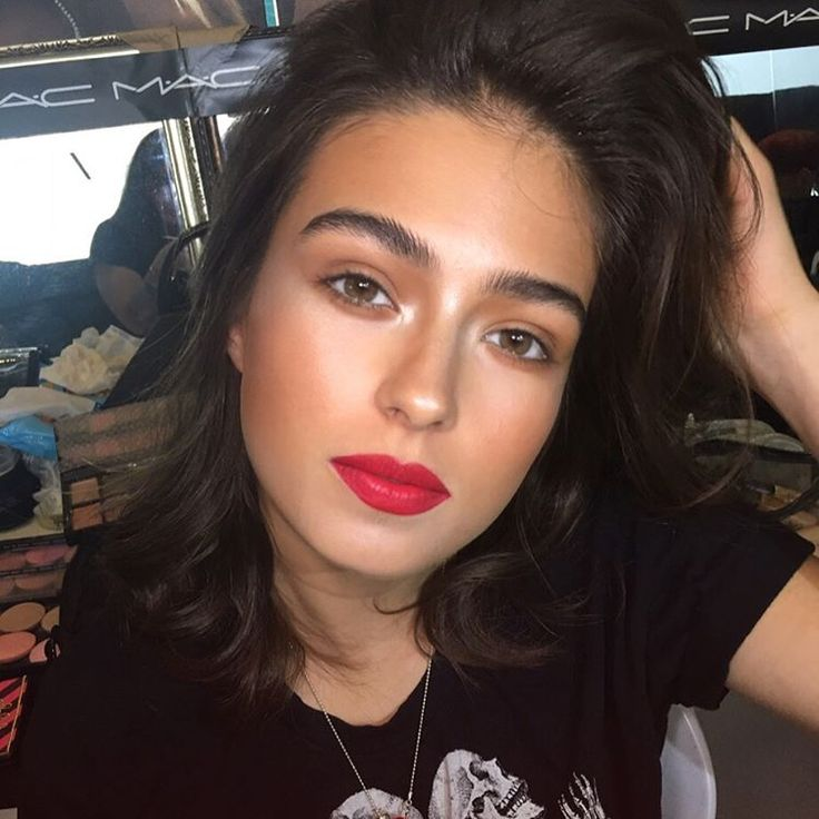 Eyes and cheeks: Baiana bronze from the new Fruity Juicy collection, Pearl cream color base and a touch of Warm Soul Mineralize blush. Lips are prep and prime lip with cherry lip pencil and Relentlessly red