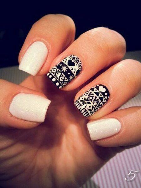 Prtined Winter nail art on Bellashoot.com! #Blacknails #Whitenails #Matte #Nailart