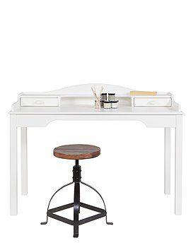| CAR möbel | | Kompakter Arbeitstisch aus lackiertem Kiefernholz mit zwei Schubladen und einem Fach. Der Tisch wird als Bausatz geliefert.