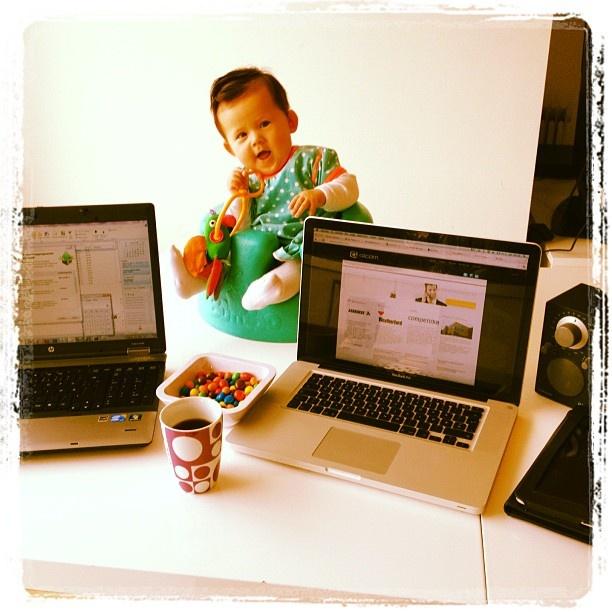Her er mitt hjemmekontor med alt jeg trenger. #HjemmekontorBoka2012 - @krimadsen- #webstagram