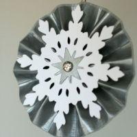 izolační páska řemesla - rozeta z pravidelného lepicí pásky, papírové sněhové vločky