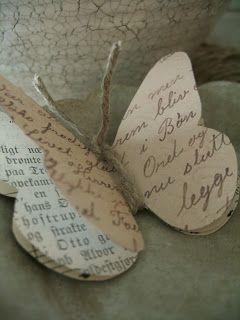 Schmetterling. evtl. aus alten Buchseiten.