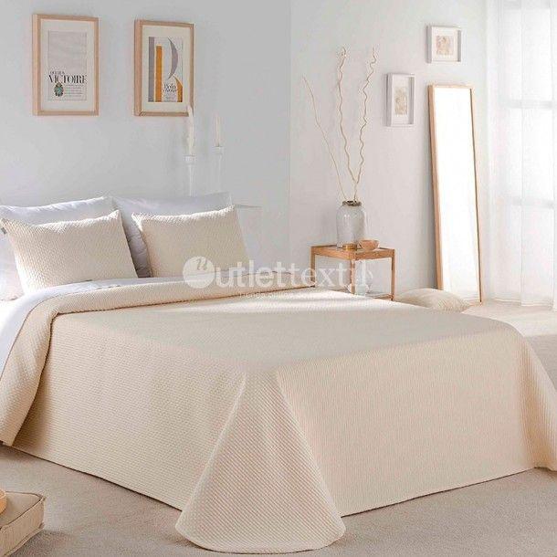 Colcha CECO Sandeco. Este diseño es todo un básico de armario que no podrá faltar entre tu ropa de cama. Además podrás vestir cualquier habitación de la casa, sea cual sea su decoración.