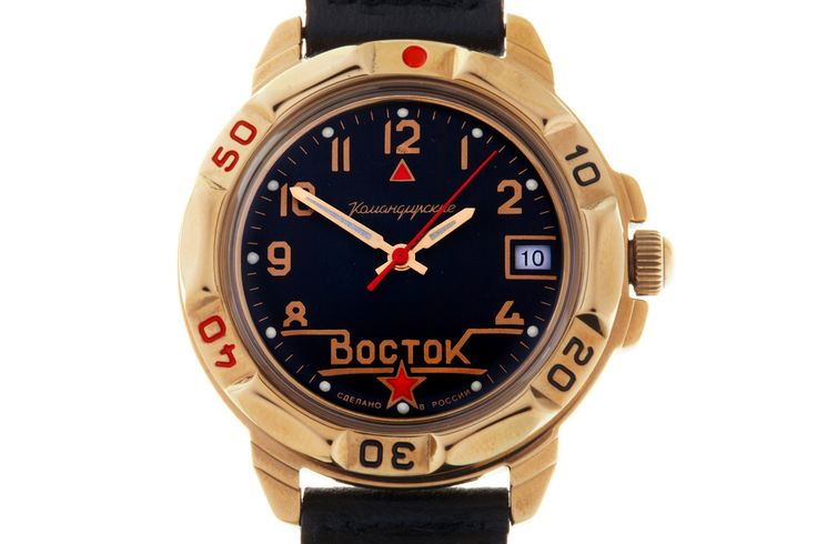 WATCH VOSTOK KOMANDIRSKIE 439524 RED ARMY COMMANDER. The face design, font and numeric indices are made in the retro style of the Soviet Russia of the early 20th century. The mage on the face provides a sleeve patch of a commander of the Workers ' and Peasants' Red Army. #russian #mechanical #military #watches #vostok #komandirskie #gifts #souvenirs #star #redarmy