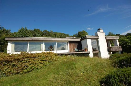 On the market: 1970s John Gill-designed Crown Field three-bedroom single-storey property in Bowness, Cumbria on http://www.wowhaus.co.uk
