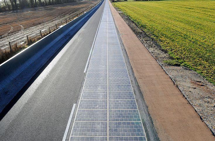Alternatif enerji kaynaklarından maksimum yaralanabilmek için arayışlar sürüyor. Çatılarda yer alan düşük maliyetli güneş panelleri binaların çeşitli ihtiyaçları için uzun zamandır kullanılıyor.   #Güneş enerjisi #Sürdürülebilir çevre