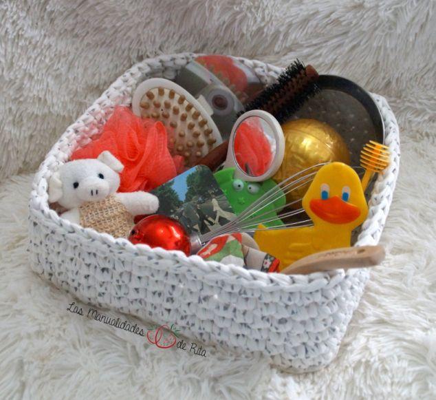Cesta de tesoros Montessori