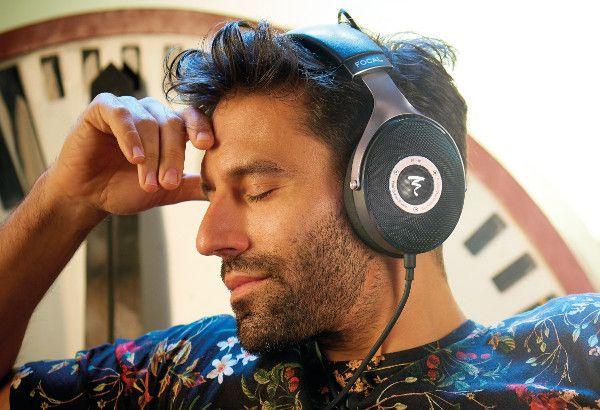 834 best Headphones images by Sean Lee on Pinterest  Ear