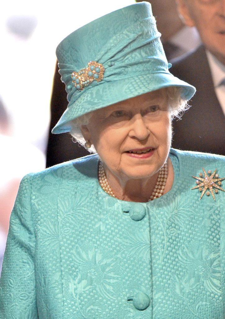 Queen Elizabeth II Photos Photos - Queen Elizabeth II Attends The Royal Maundy Service At Westminster Abbey - Zimbio