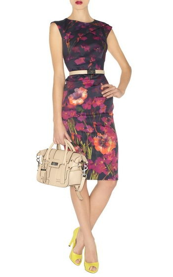 Welcome to Karen Millen Dress Outlet online store. Our Karen Millen Outlet Dresses are on hot sale now witn authentic quality and cheap price. This style Karen Millen Dresses Outlet Dress with the features that colourful and brightful to make womens more