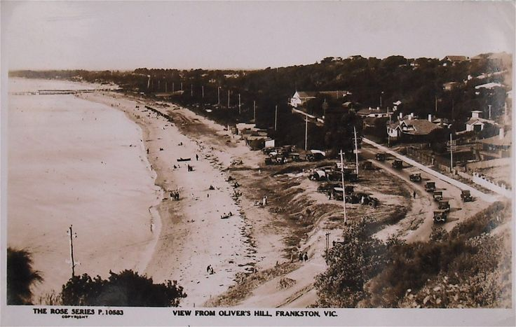 View over Frankston Beach from Olivers Hill.