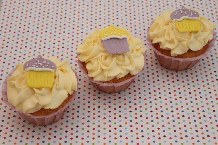 Vanilje cupcakes { oppskrift }