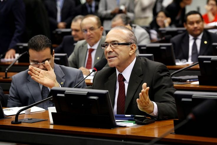 Eliseu Padilha homenageia Mendes Ribeiro Filho