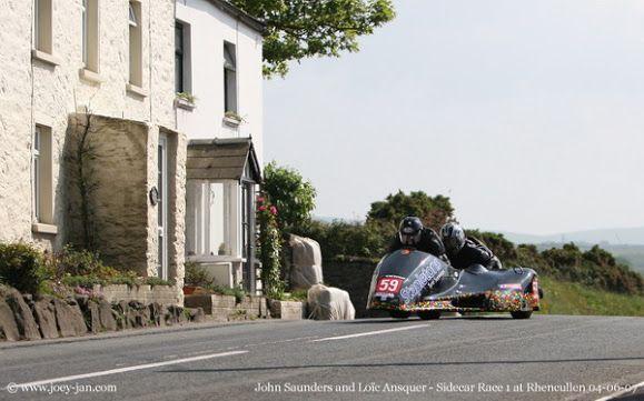 John Saunders / Loïc Ansquer Ile Of Man TT 2010 .