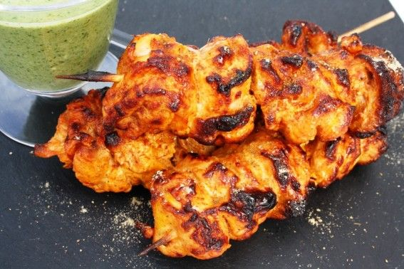 Tandoori Chicken Tikka – Barbecue chicken cooked in a chilli & garlic marinade