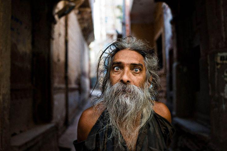 https://flic.kr/p/kkRjeV | man in alley, jodhpur, leica M9 | M9, 35mm Color Skopar www.facebook.com/IanTaylorPhotography