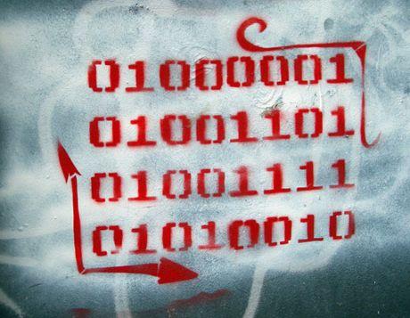 En código binarioEs lo único binario que debería existir en nuestras vidas… yo ya tengo el mío propio y además para siempre :-)   P.D.=( Os dejo unas pistas para que también lo podráis descifrar)Primera Línea = ASCII :: 65 = 01000001  SegundaLínea = ASCI :: 77 = 01001101  Tercera Línea = ASCII :: 79 = 01001111  Cuarta Línea = ASCII :: 82 = 01010010