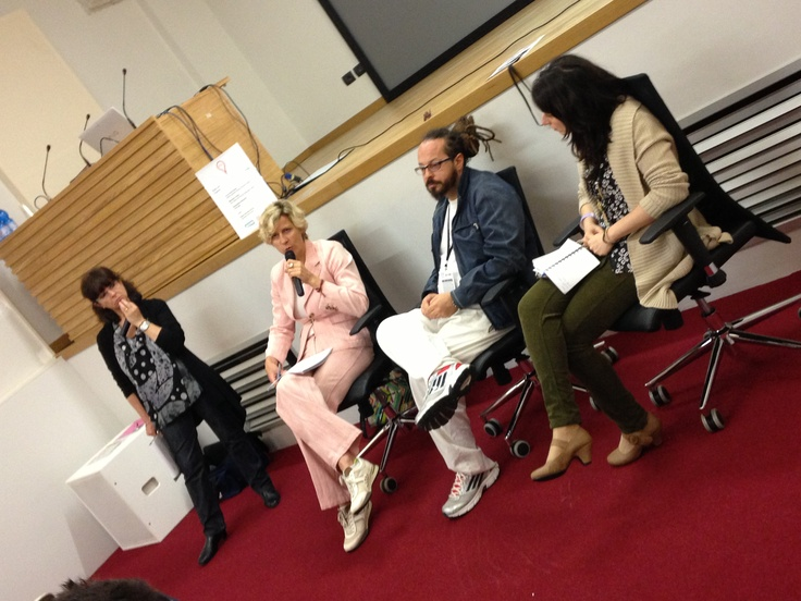 Paola Tournour-Viron, Maria Elena Rossi, Marcello Trentini, Alessandra Giovanile Giù dal palco. Più vicini si parla meglio! #digitalfooddays #biteg