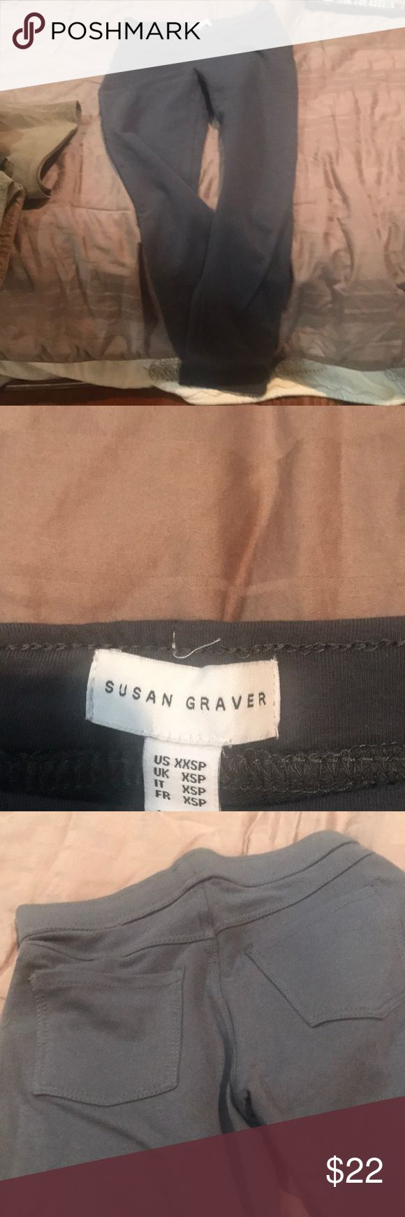 Susan Graver grey legging xxsp never worn!! These are great leggings. Susan Graver is awesome!!!! Excellent for petite. These fit like an xs. Also they are a nice heavier legging pant!! Kind of a cross between a legging and pant. I bought these pants on QVC. Susan Graver knows how to style for the petite body. I gotta say, I know. I'm a short gal. Now, her sizes in my opinion run a little big, so an xxs is more or an xs to me.  I have these pants in xs, and those are like smalls. susan…