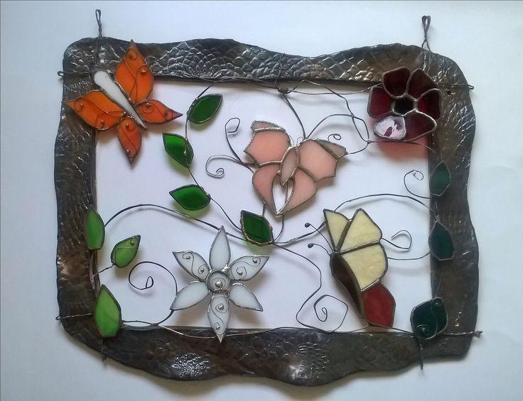 Stained glass buterflies in the ceramic tiffany motýlci a kytky v keramickém rámečku