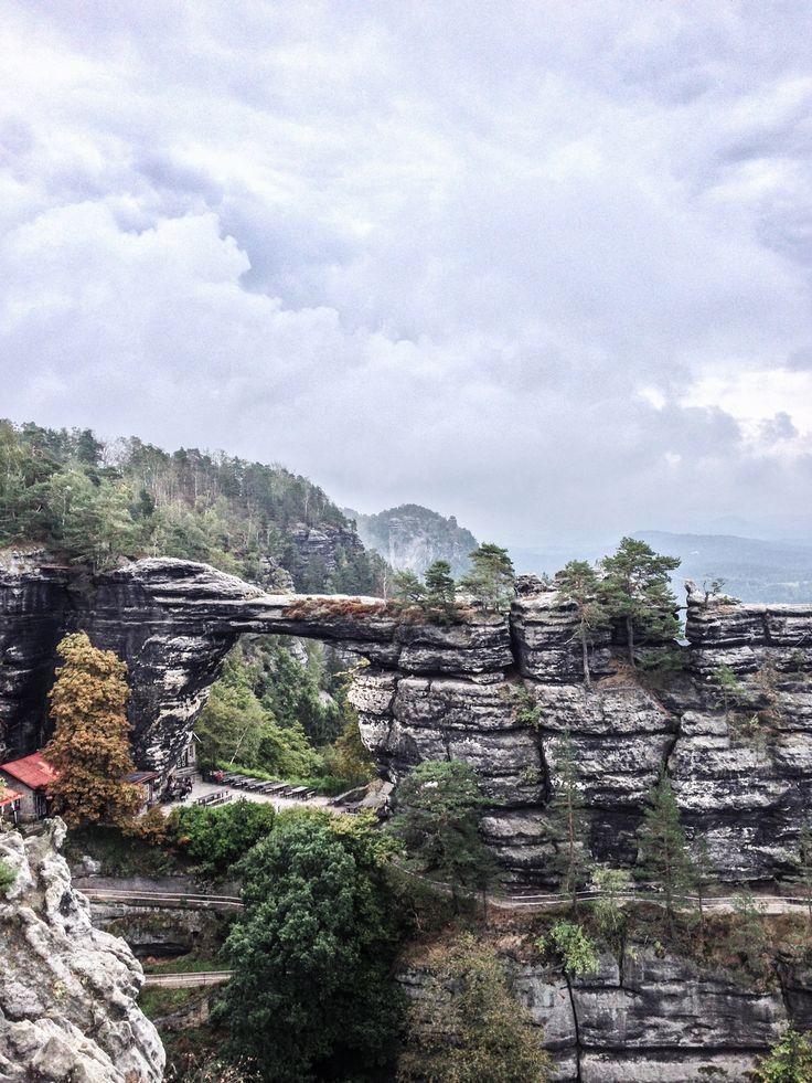 Majestueuse porte de Pravcicke dans le Parc National de Bohème Suisse en République Tchèque