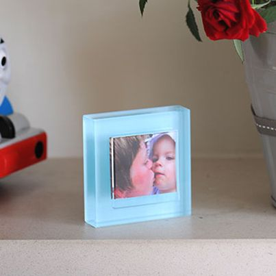 Our new colour block frames have been designed around the theme of colour and form, with seven beautiful colours three sizes available to compliment any photograph. The small baby blue frame is perfect for a photo of a little boy, or for anyone who loves the iconic colour, it also holds a 40mm x 35mm photo, which makes it small enough to subtly fit in any space. #Spaceform #London #Gift #PhotoFrame #Love