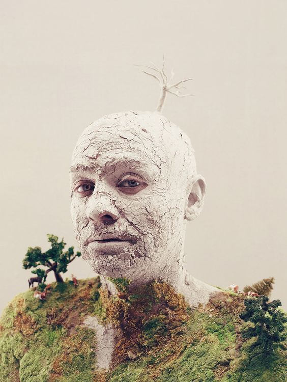 """""""Reaccioná: Se lo haces a la tierra, te lo haces vos."""" Calendario 2010. La huella ecológica."""