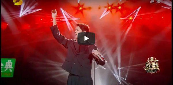 Hlas speváka z Kazachstanu je natoľko šokujúci, že si niektorí myslia, že nie je z tejto planéty. Niečo na tom určite bude!