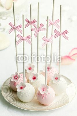 Photo: Wedding cake pops © Ruth Black #40887847
