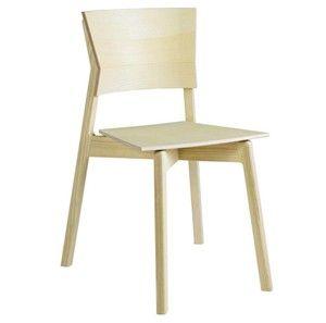 Excelsa stol-I serien Excelsa ingår även bord och sideboard. Staplar 6 st. Levereras färdigmonterad.[LIST]Excelsa stol har en mycket karaktäristisk form som inte bara gör den vacker, utan också fantastiskt bekväm att sitta på.Ask är ett spännande och vackert träslag som har många gemensamma nämnare med björken, men ändå sitt alldeles egna uttryck.