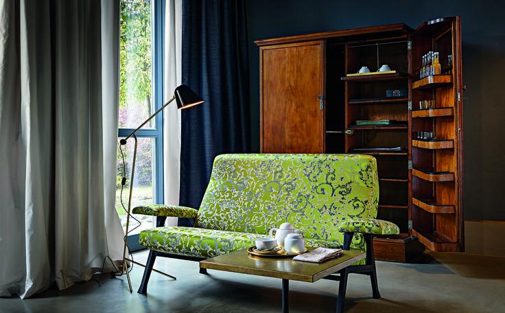 arflex - Hall small sofa design Roberto Menghi - The original design - Rubelli Katagami fabric photo  Gionata Xerra #arflex #hall #smallsofa #robertomenghi #photoftheday #luxury #itsarflextime #decor #decoration #staytuned www.arflex.it follow us on instagram arflex_official