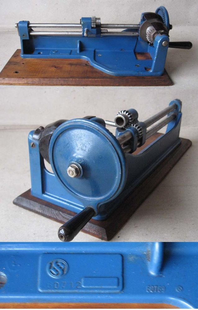 VINTAGE OLD CAST-IRON TABLE PENCIL SHARPENER SELLIER & BELLOT / BLUE / RARE