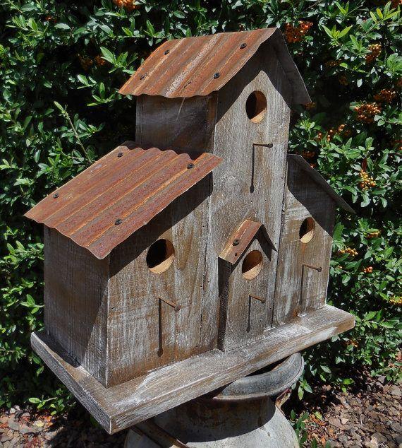 Birdhouse rancho rústico, comedero para pájaros de cabina, birdhouse occidental, azulejos del techo antiguo, pajarera vieja, birdhouse de estilo antiguo, casa del pájaro granero